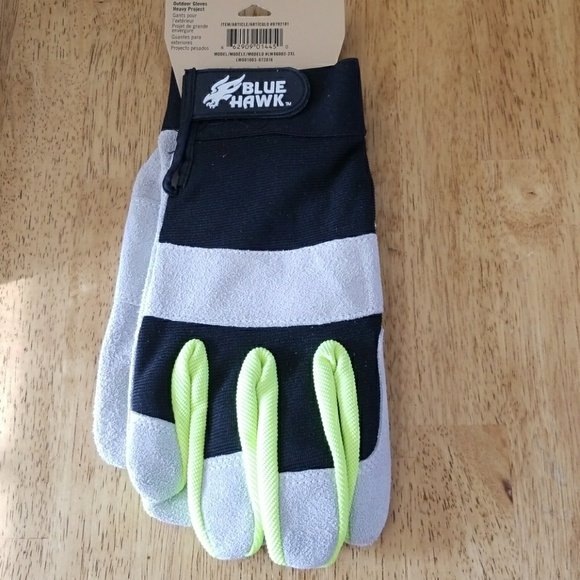 Unisex SPORTS GLOVE With Gripper Palm Neon Trim and Velcro Fastener all sports